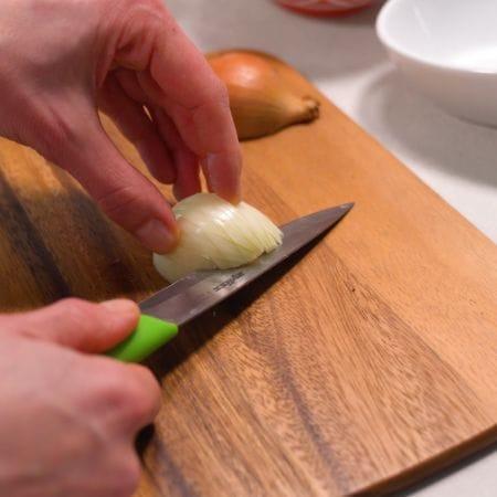 Zwiebel schneiden