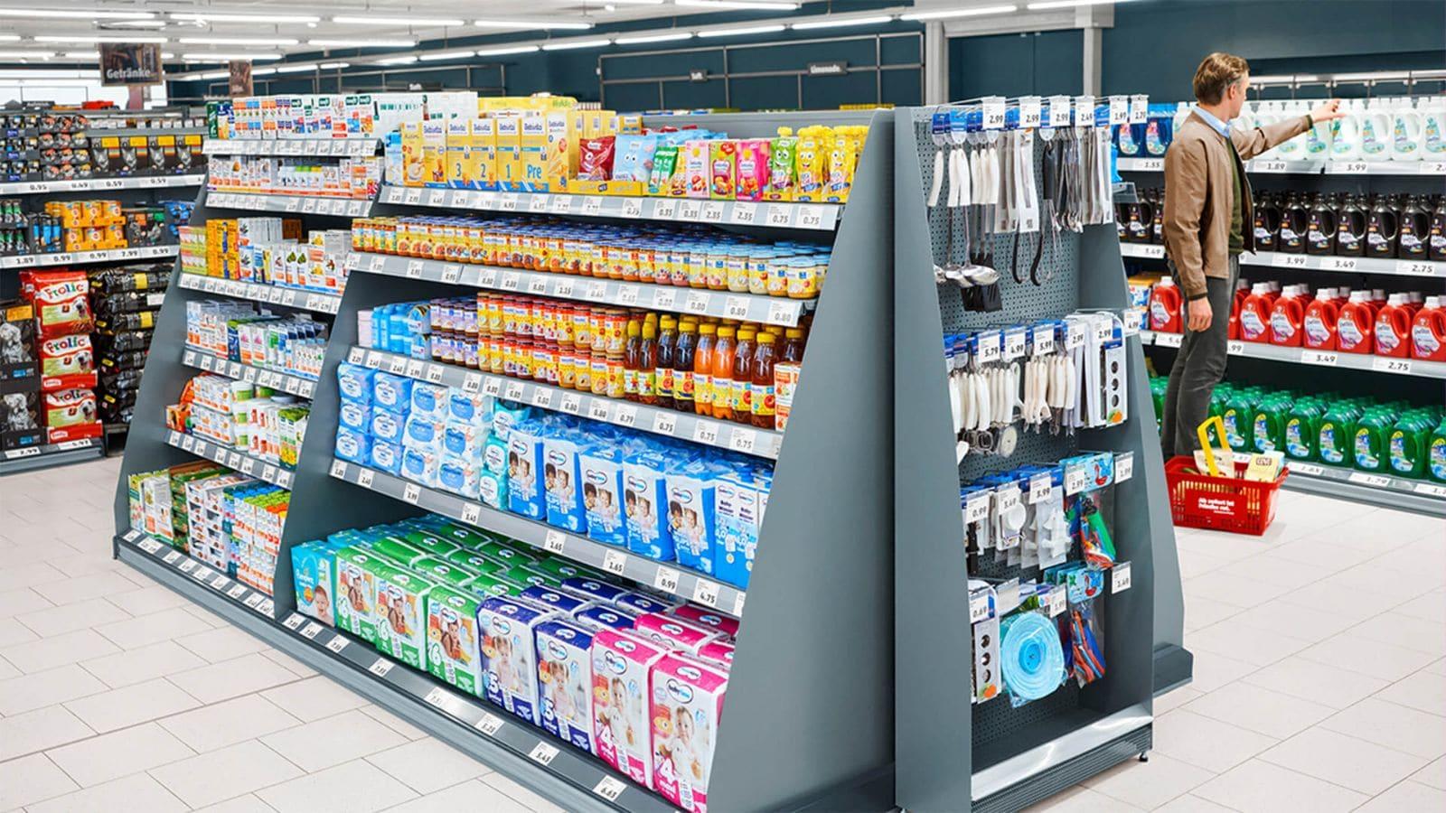 Großes Hygieneartikel-Regal im neuen Super-Discount